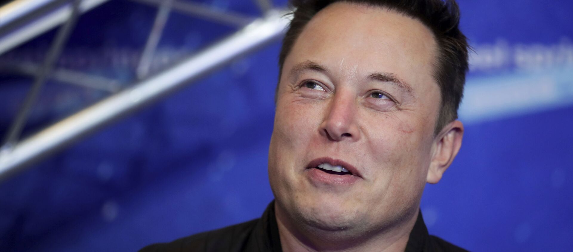 SpaceX owner and Tesla CEO Elon Musk arrives on the red carpet for the Axel Springer media award, in Berlin, Germany, Tuesday, Dec. 1, 2020. - Sputnik International, 1920, 22.05.2021
