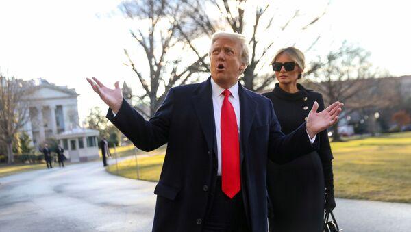 U.S. President Donald Trump gestures as he and first lady Melania Trump depart the White House to board Marine One ahead of the inauguration of president-elect Joe Biden, in Washington, U.S., January 20, 2021. - Sputnik International