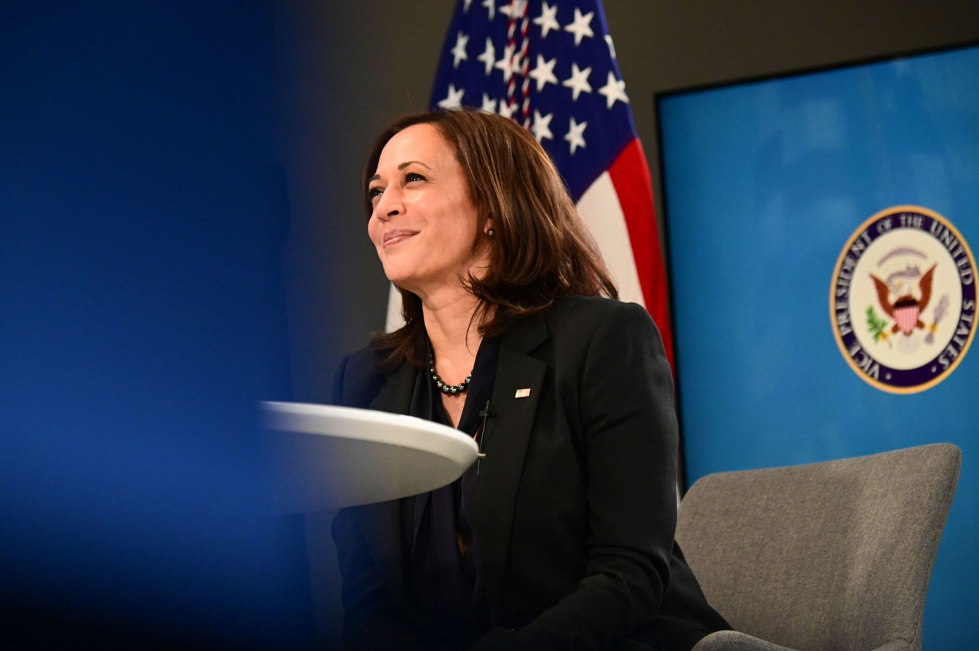 US Vice President Kamala Harris participates in a virtual meeting to discuss the newly-signed American Rescue Plan, COVID-19 relief legislation, at the White House in Washington, US, March 11, 2021 - Sputnik International, 1920, 07.09.2021
