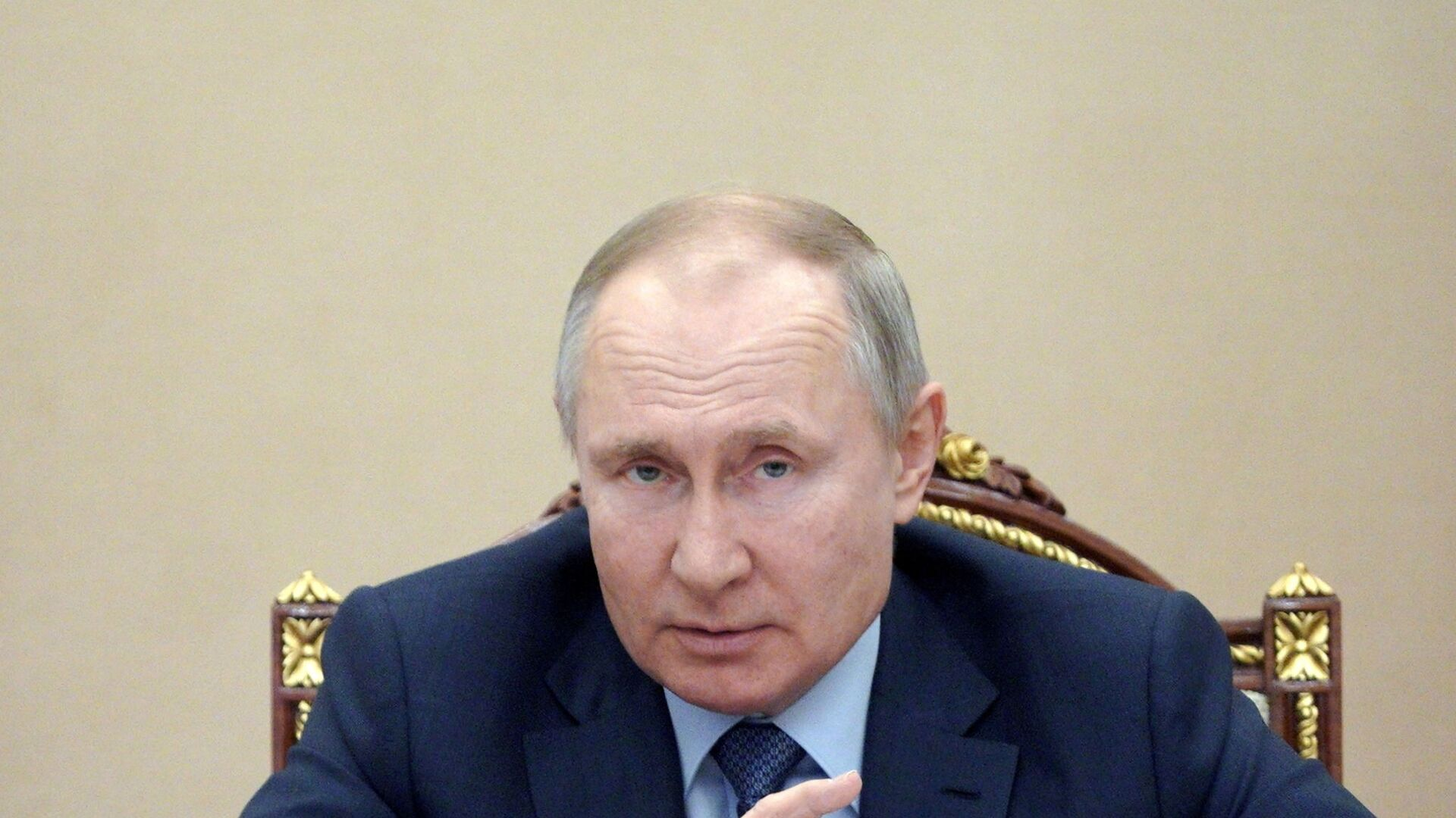 Russian President Vladimir Putin attends a meeting with government members via a video link in Moscow, Russia March 10, 2021 - Sputnik International, 1920, 16.09.2021