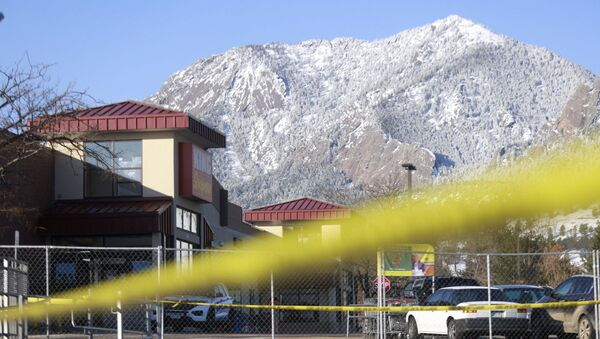 A view of King Soopers grocery store the morning after the mass shooting, in Boulder, Colorado, U.S., March 23, 2021. - Sputnik International