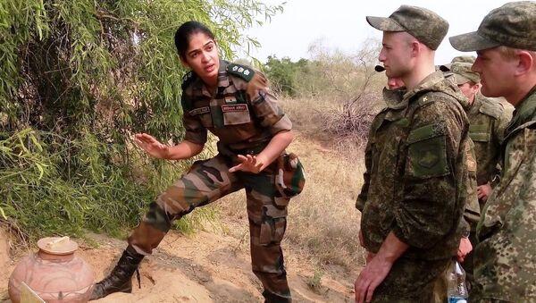 Indian army lady officer - Sputnik International