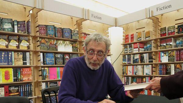 Poet and Author Michael Rosen, a former British Children's Laureate - Sputnik International