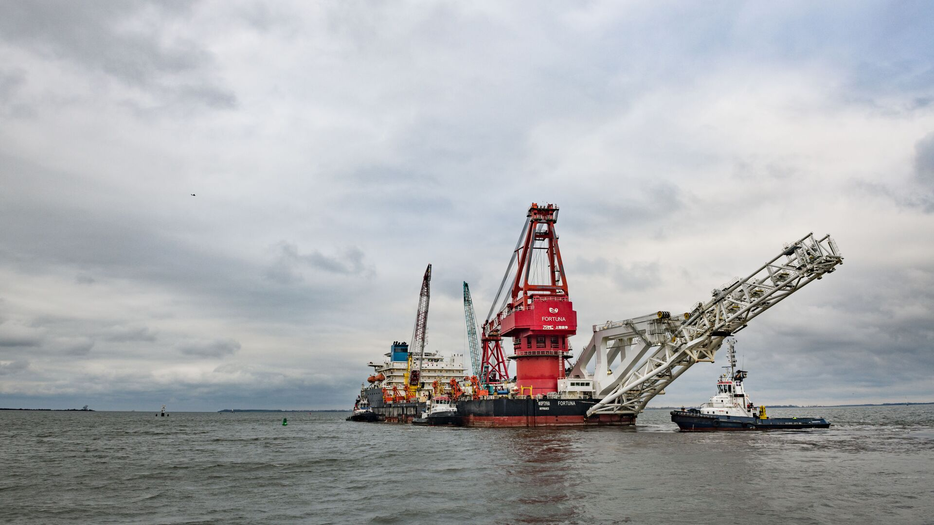Pipe-laying vessel Fortuna leaves the port of Wismar to work on Nord Stream 2 construction - Sputnik International, 1920, 23.09.2021