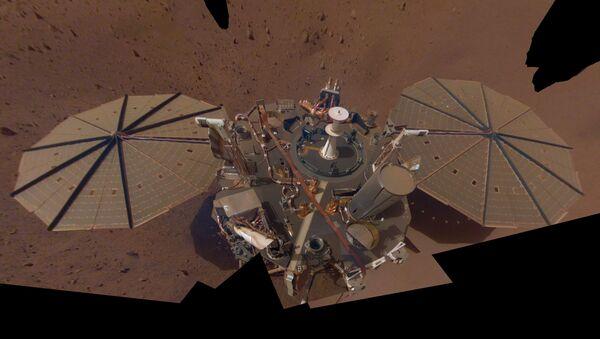 InSight's Dusty Selfie - Sputnik International