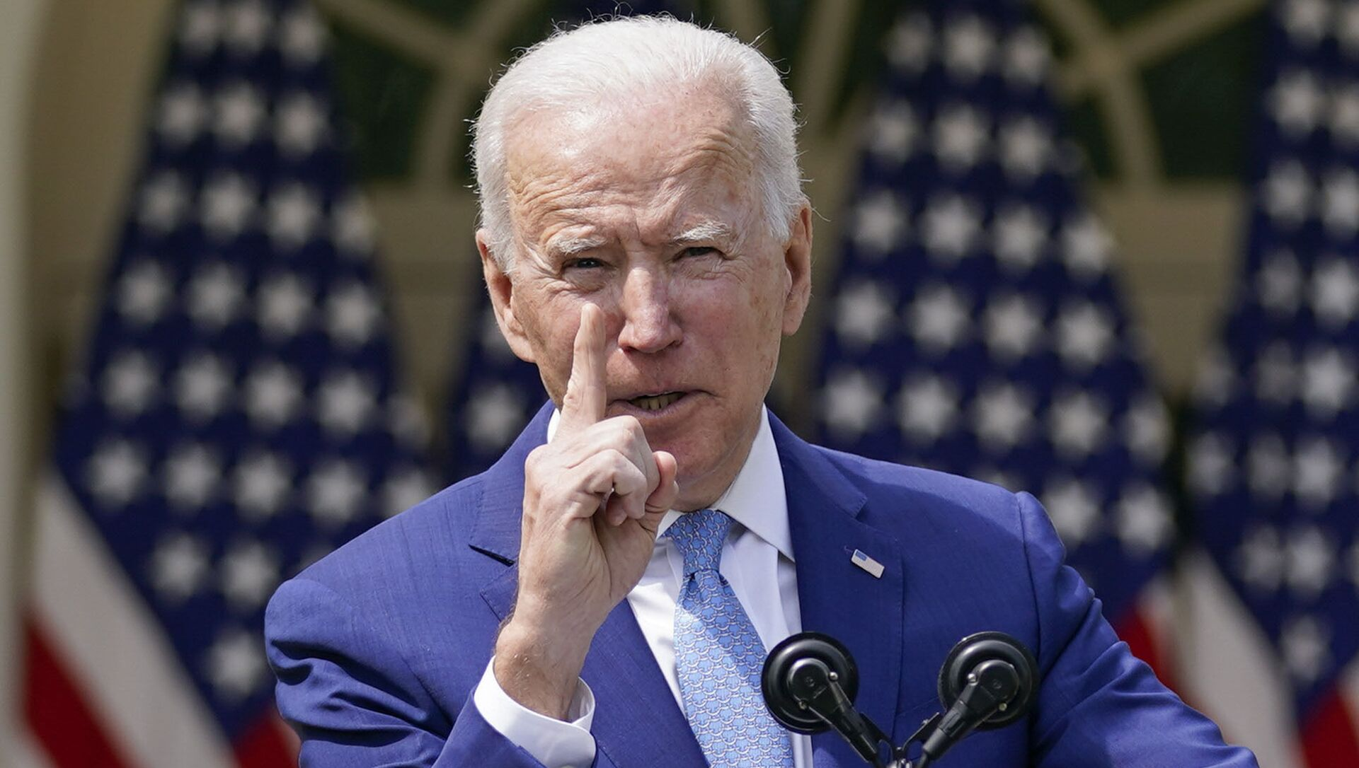 President Joe Biden gestures as he speaks about gun violence prevention in the Rose Garden at the White House, Thursday, April 8, 2021, in Washington.  - Sputnik International, 1920, 08.04.2021