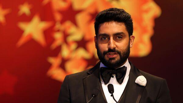 Bollywood actor Abhishek Bachchan speaks during a ceremony awarding the Global Teacher Prize, in Dubai, United Arab Emirates, Sunday, 13 March 2016 - Sputnik International