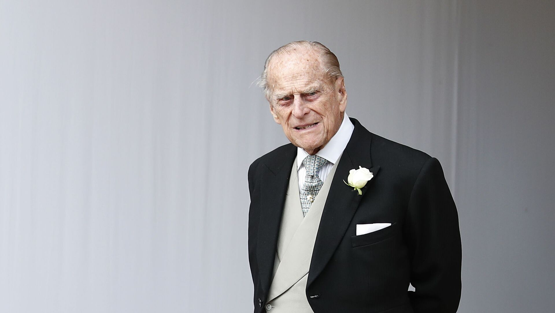 Britain's Prince Philip waits for the bridal procession following the wedding of Princess Eugenie of York and Jack Brooksbank in St George's Chapel, Windsor Castle, near London, England, Friday, Oct. 12, 2018 - Sputnik International, 1920, 09.04.2021