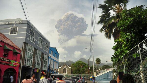 FILE PHOTO: Volcano erupts on Caribbean island of St. Vincent - Sputnik International