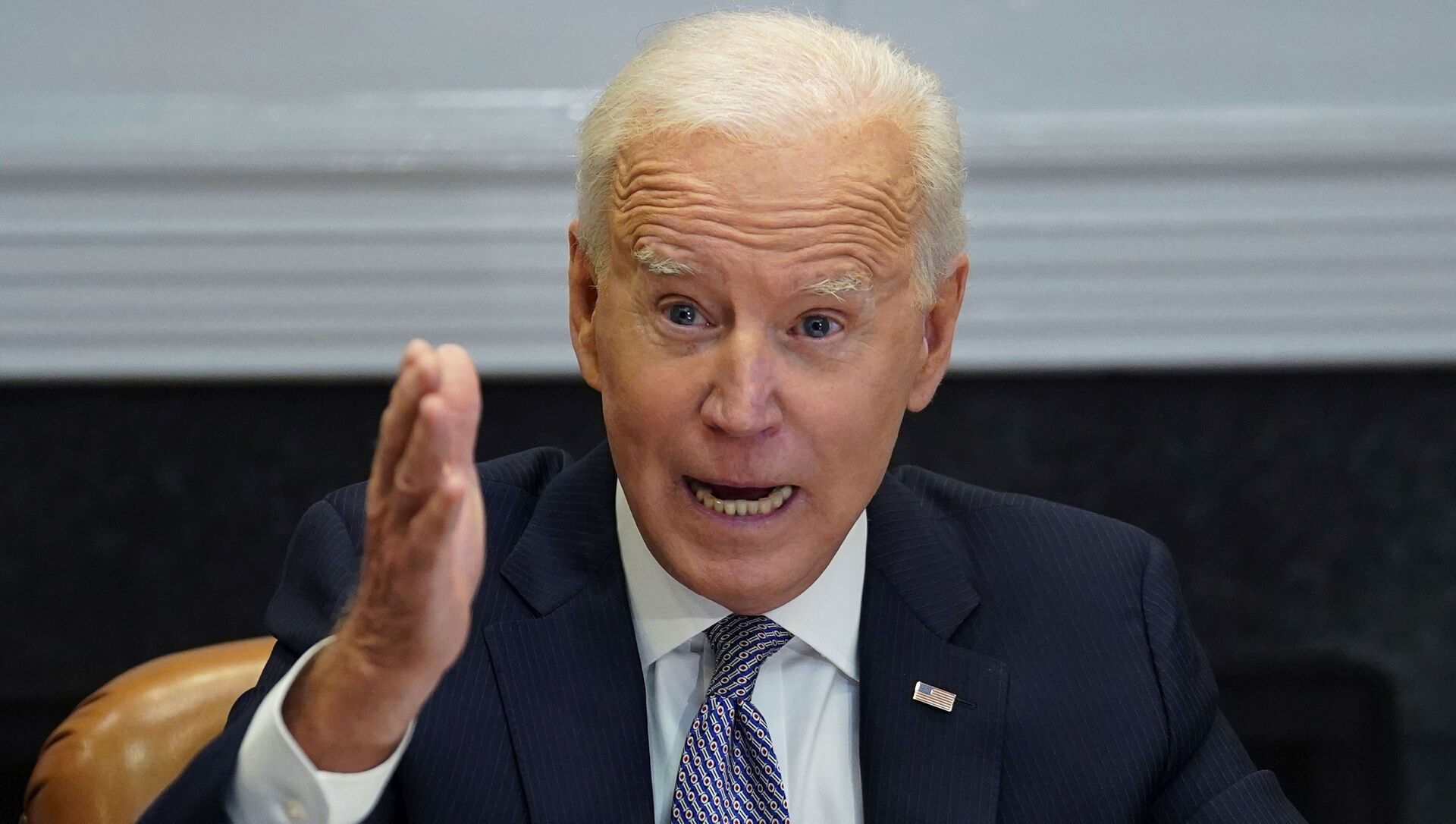 U.S. President Joe Biden speaks as he participates in the virtual CEO Summit on Semiconductor and Supply Chain Resilience from the Roosevelt Room at the White House in Washington, U.S., April 12, 2021. - Sputnik International, 1920, 12.04.2021