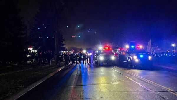 Police officers during a protest in downtown Brooklyn Center in Minnesota, US. - Sputnik International