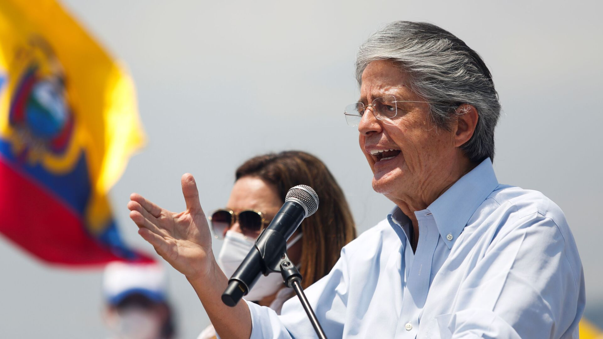 Ecuador's presidential candidate Guillermo Lasso gestures as he speaks during a closing campaign rally, in Guayaquil, Ecuador April 8, 2021. - Sputnik International, 1920, 11.10.2021