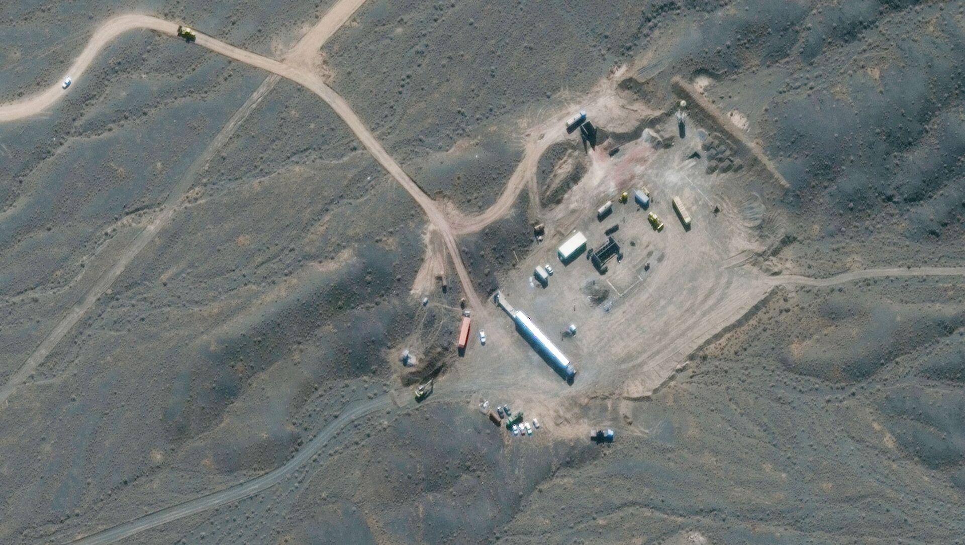 This file handout satellite image provided by Maxar Technologies on January 28, 2020, shows an overview of Iran's Natanz nuclear facility, south of the capital Tehran. - Iran announced Saturday it has started up advanced centrifuges that enrich uranium more quickly in a new breach of its undertakings under a troubled 2015 nuclear agreement. - Sputnik International, 1920, 25.07.2021