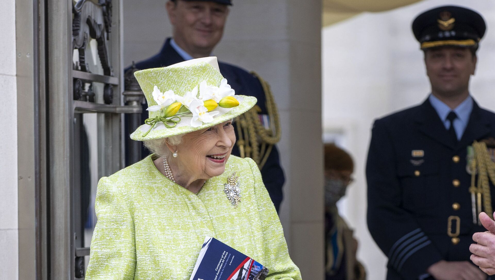Britain's Queen Elizabeth II during a visit to the CWGC, the Commonwealth War Graves Commission Air Forces Memorial to attend a service to mark the Centenary of the Royal Australian Air Force, in Runnymede, England, Wednesday March 31, 2021 - Sputnik International, 1920, 02.05.2021