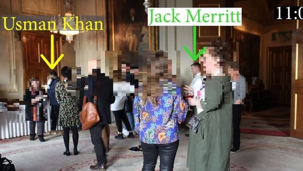 Usman Khan is pictured collecting his brunch buffet as Jack Merritt, one of his victims, waits behind him in the queue - Sputnik International