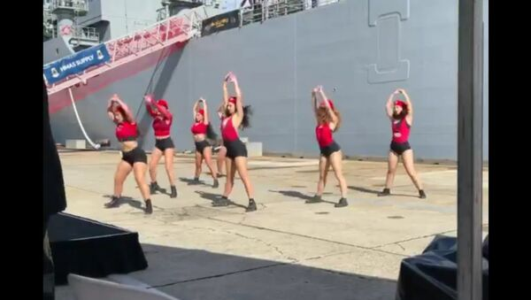 The Royal Australian Navy has commissioned HMAS Supply in Sydney ,  and organised this dance to celebrate - Sputnik International