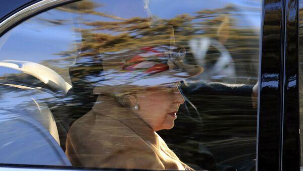 Britain's Queen Elizabeth attends a service at St Peter's church in Wolferton, near the Sandringham Estate in England, Sunday, Jan. 20, 2019. - Sputnik International