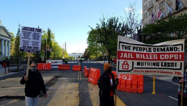A rally was called on Black Lives Matter Plaza demanding justice for Daunte Wright on April 16, 2021  - Sputnik International
