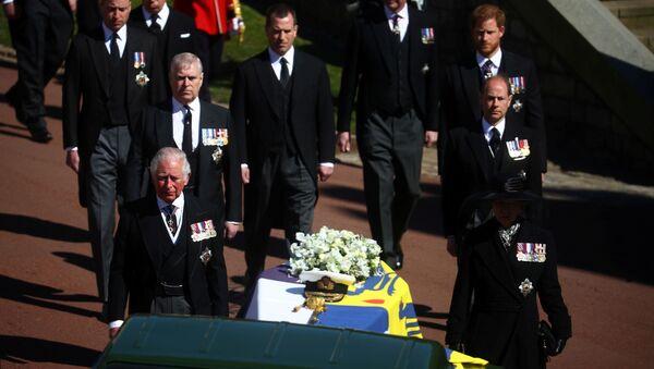 Члены королевской семьи на похоронах принца Филиппа - Sputnik International