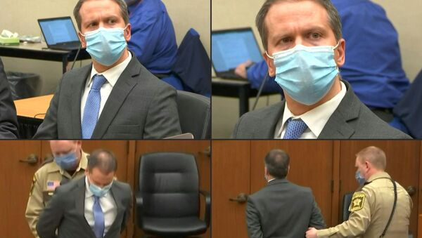 A combination of pictures created on 20 April 2021 shows former Minneapolis police officer Derek Chauvin listening to the verdict and being taken away handcuffed after his trial for the killing of George Floyd, in Minneapolis, Minnesota. - Sputnik International