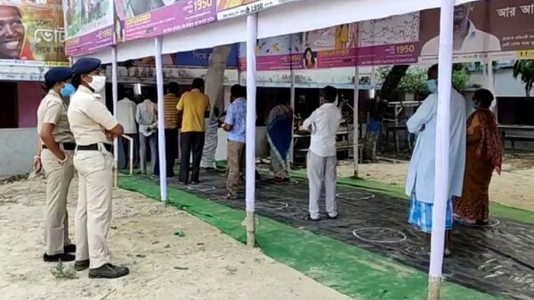 Glimpses of polling from North Dinajpur district - Sputnik International