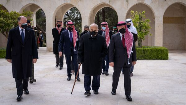 Jordan's King Abdullah II and members of the royal family including former crown prince and half-brother Prince Hamza arrive at the Raghdan Palace for a ceremony marking 100 years of independence, in Amman,  Jordan April 11, 2021. - Sputnik International