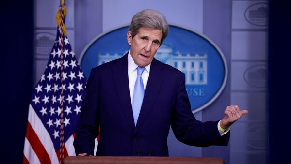 John Kerry, Special Presidential Envoy for Climate, delivers remarks during a press briefing at the White House in Washington, U.S., April 22, 2021. - Sputnik International