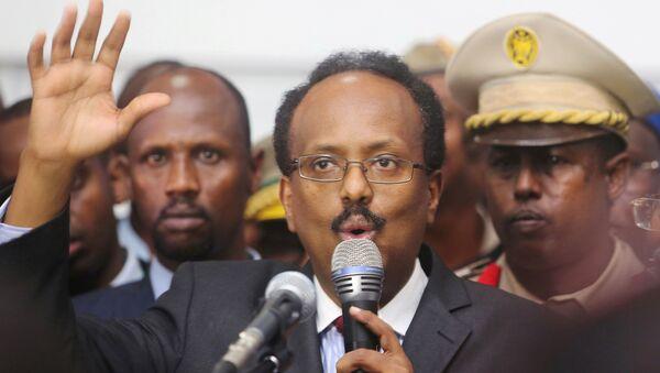 Somalia's newly-elected President Mohamed Abdullahi Farmajo addresses lawmakers after winning the vote at the airport in Somalia's capital Mogadishu, February 8, 2017 - Sputnik International