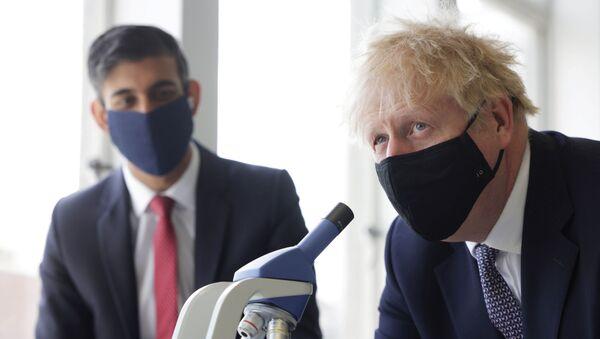 Britain's PM Johnson and Chancellor of the Exchequer Sunak visit school in London - Sputnik International