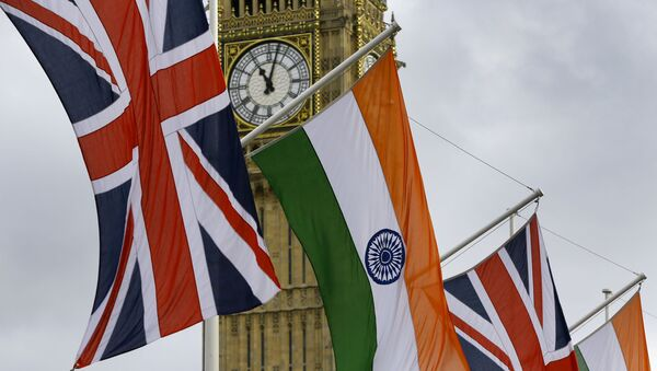 The Union and Indian flags hang near  the London landmark Big Ben  in Parliament Square in London, Thursday, Nov. 12, 2015. - Sputnik International