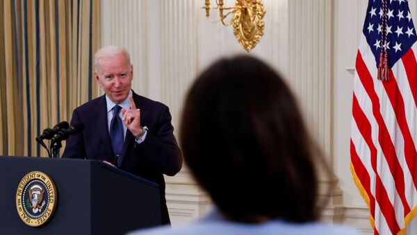 U.S. President Joe Biden delivers remarks on the state of the coronavirus disease (COVID-19) vaccinations from the State Dining Room at the White House in Washington, D.C., 4 May 2021. - Sputnik International