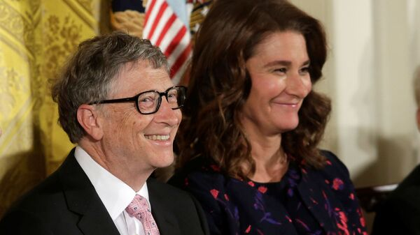 Bill and Melinda Gates attend the Presidential Medals of Freedom ceremonies  in the East Room of the White House in Washington, U.S - Sputnik International