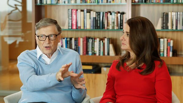 In this 1 February 2018 file photo, Microsoft co-founder Bill Gates and his wife Melinda take part in an AP interview in Kirkland, Washington. - Sputnik International