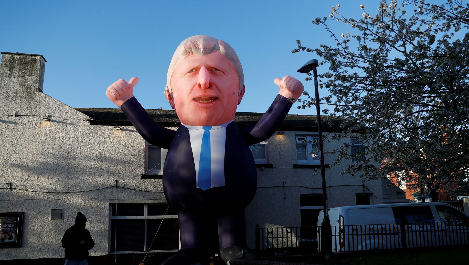 An inflatable figure of Prime Minister Boris Johnson is seen outside Mill House Leisure Centre as ballots are being counted, in Hartlepool, Britain May 7, 2021 - Sputnik International, 1920, 07.05.2021