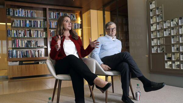 In this Feb. 1, 2019 photo, Bill and Melinda Gates are interviewed in Kirkland, Wash - Sputnik International