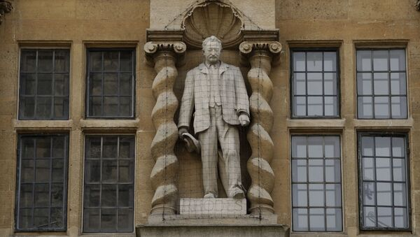 The statue of Cecil Rhodes on the facade of Oriel College in Oxford, England.  - Sputnik International