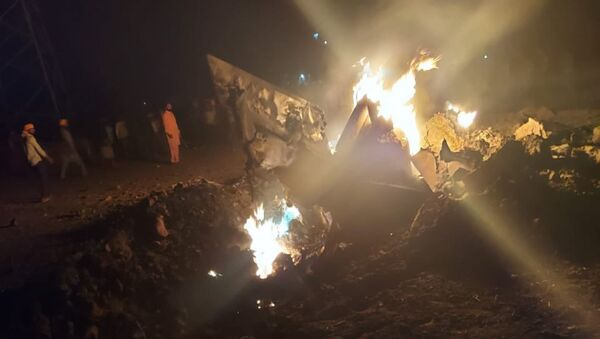 MiG-21 fighter jet of the Indian Air Force crashed at village Langeana in Baghapurana sub-division of Moga, Punjab. - Sputnik International