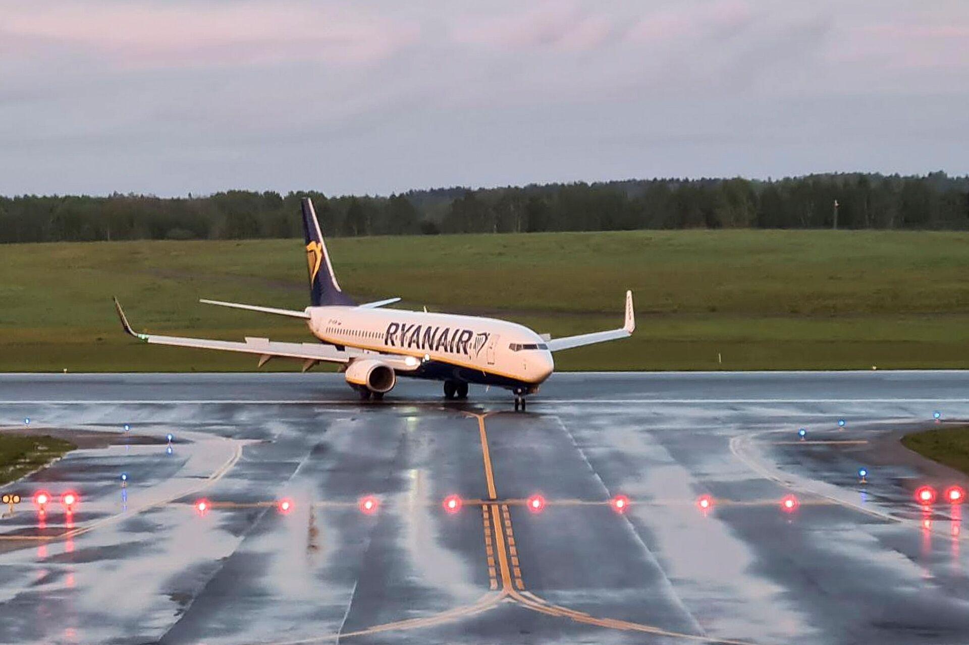 Psaki Refuses to Compare Ryanair Incident in Minsk to Grounding of Ex-Bolivian President's Plane - Sputnik International, 1920, 24.05.2021