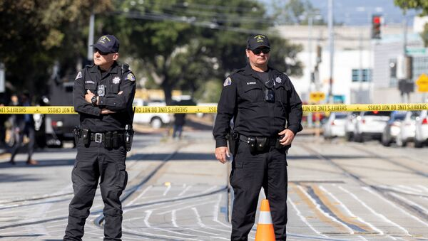 Police secure the scene of a mass shooting at a rail yard run by the Santa Clara Valley Transportation Authority in San Jose, California, 26 May 2021. - Sputnik International