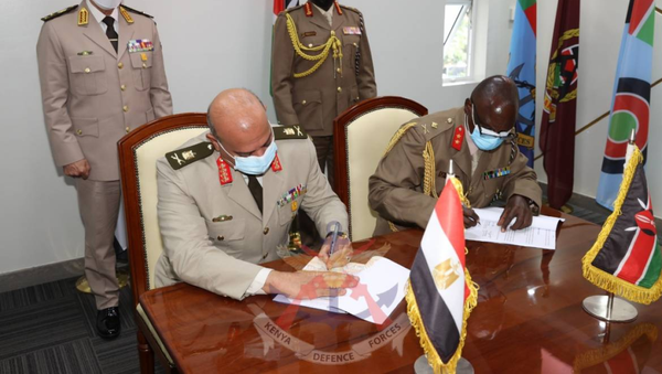 Egyptian Chief-of-Staff Lieutenant General Mohamed Farid and Kenya's Chief of Defence Genera; Robert Kibochi sign a Technical Agreement on Defence Cooperation aimed at deepening partnership in matters of mutual benefit in Nairobi, Kenya, on May 26, 2021. - Sputnik International