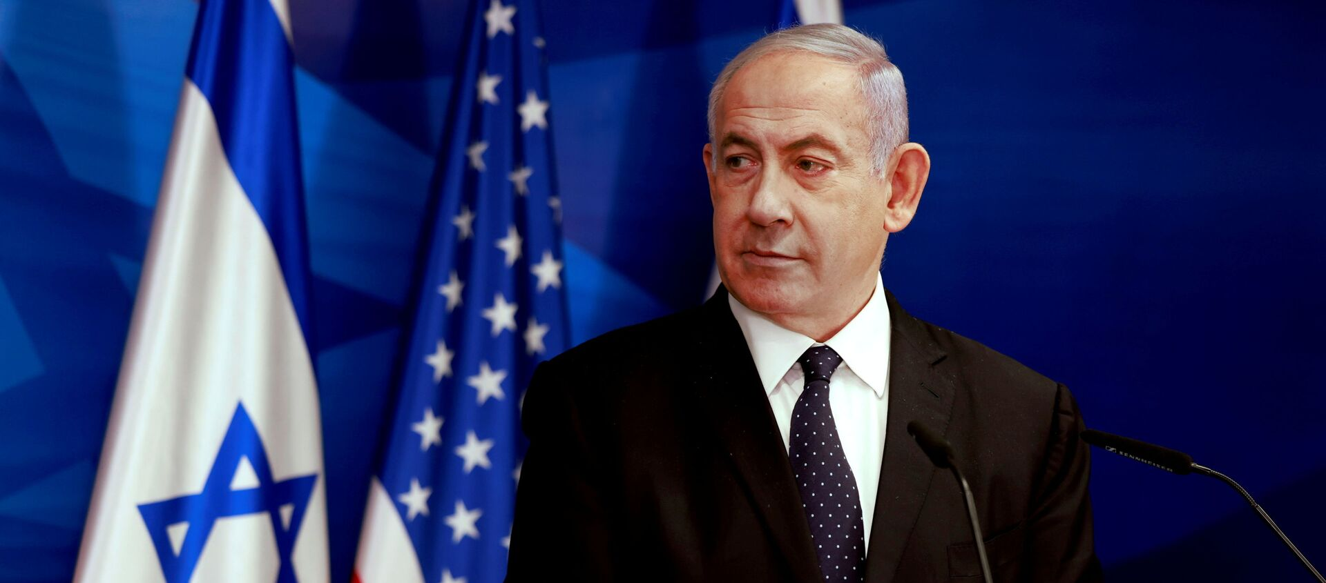Israeli Prime Minister Benjamin Netanyahu looks at U.S. Secretary of State Antony Blinken (not pictured) during a joint news conference in Jerusalem, May 25, 2021. - Sputnik International, 1920, 01.06.2021