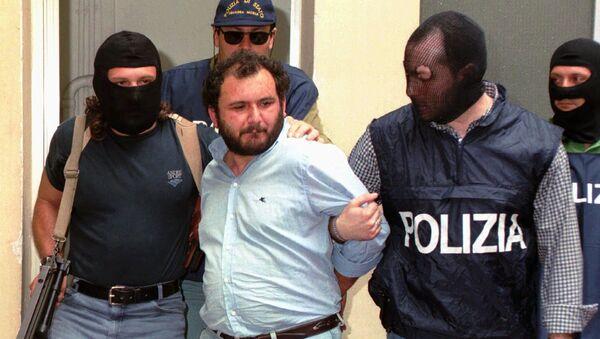 Giovanni Brusca being arrested in 1996 - Sputnik International