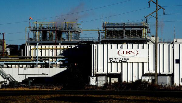 A general view of the JBS USA Worthington pork plant  in  Minnesota, U.S., October 28, 2020 - Sputnik International