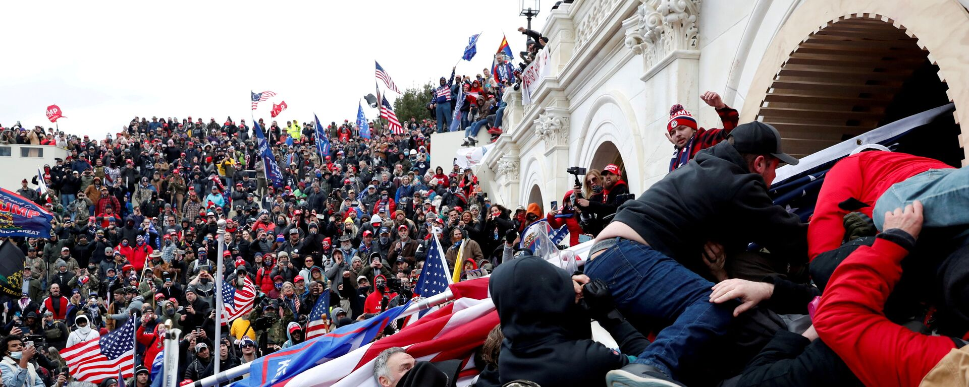 Pro-Trump protesters storm into the U.S. Capitol during clashes with police, during a rally to contest the certification of the 2020 U.S. presidential election results by the U.S. Congress, in Washington, U.S, January 6, 2021 - Sputnik International, 1920, 18.09.2021