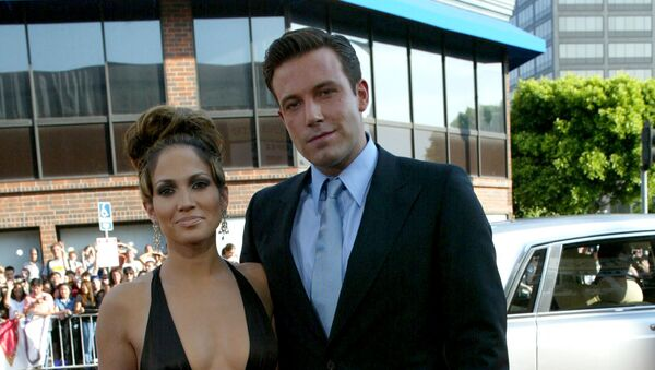 WESTWOOD, CA - JULY 27:  Actors Ben Affleck and Jennifer Lopez attend the premiere of Revolution Studios' and Columbia Pictures' film Gigli at the Mann National Theatre July 27, 2003 in Westwood, California - Sputnik International
