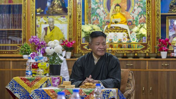 Penpa Tsering, the newly elected President of the Central Tibetan Administration, relaxes at the Ghadong monastery in Dharmsala, India, Thursday, May 27, 2021.  - Sputnik International