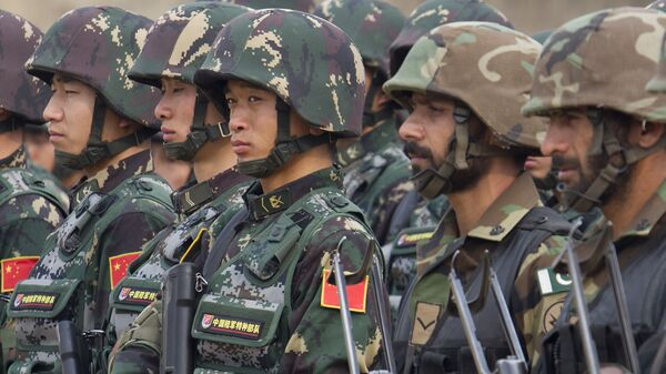 Pakistan and Chinese soldiers take part in a joint exercise (File) - Sputnik International