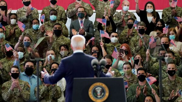 U.S. President Joe Biden delivers remarks to U.S. Air Force personnel and their families stationed at  RAF Mildenhall, ahead of the G7 Summit, near Mildenhall, Britain June 9, 2021. - Sputnik International