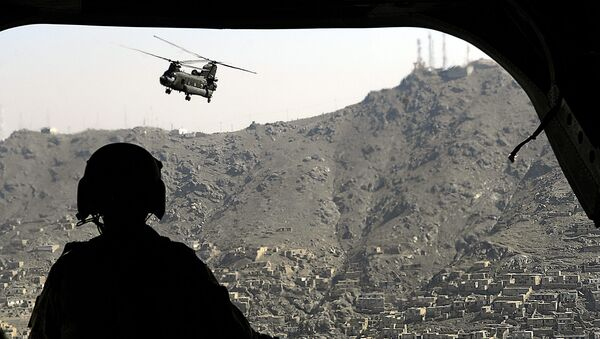 A CH-47 Chinook helicopter flies over Kabul, Afghanistan, June 4, 2007.  DoD photo by Cherie A. Thurlby.  - Sputnik International