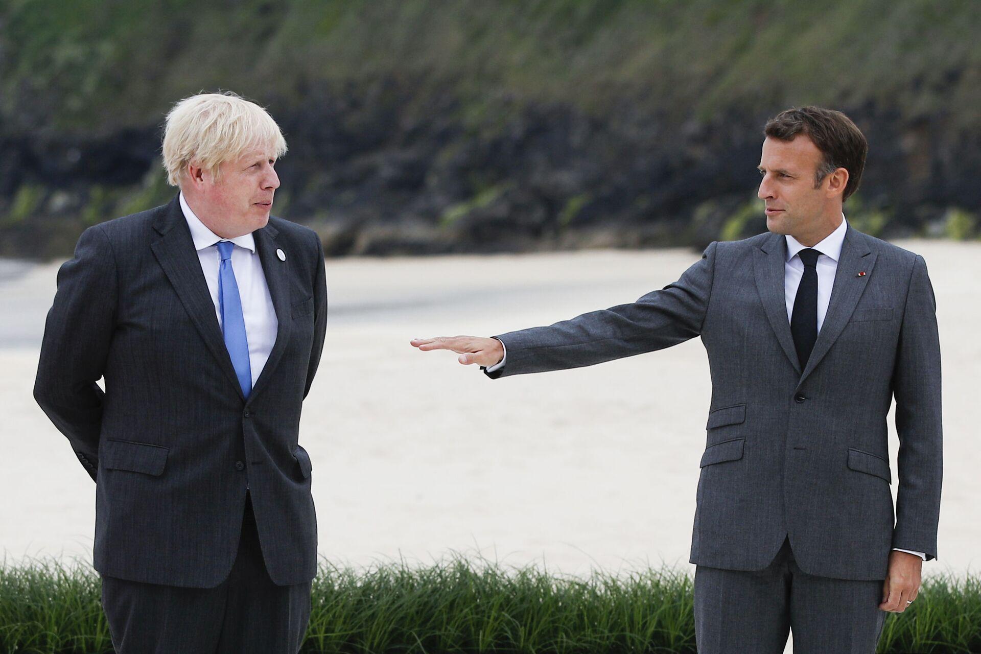 Sausage Wars: Johnson 'Infuriated' After Macron Suggests Northern Ireland is Not Part of UK - Sputnik International, 1920, 13.06.2021